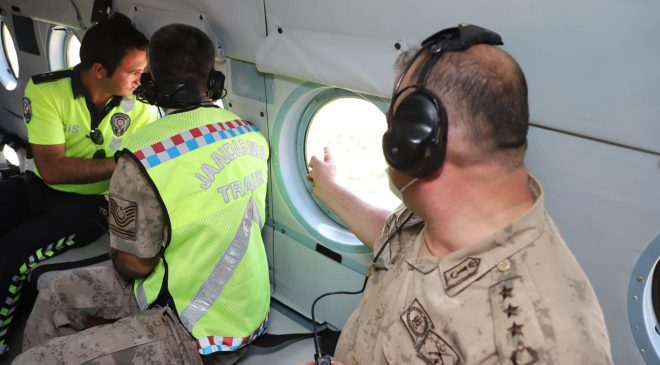 Mardin'de helikopterle trafik denetimi yapıldı