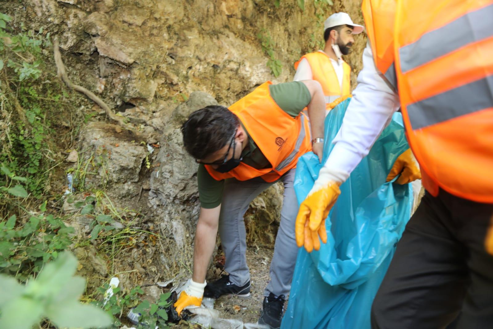 Doğa harikası Xurs Vadisi'nde çevre temizliği yapıldı