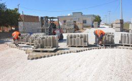 Kızıltepe'de Kırsal Mahallelerde Parke Döşeme Çalışmaları Sürüyor