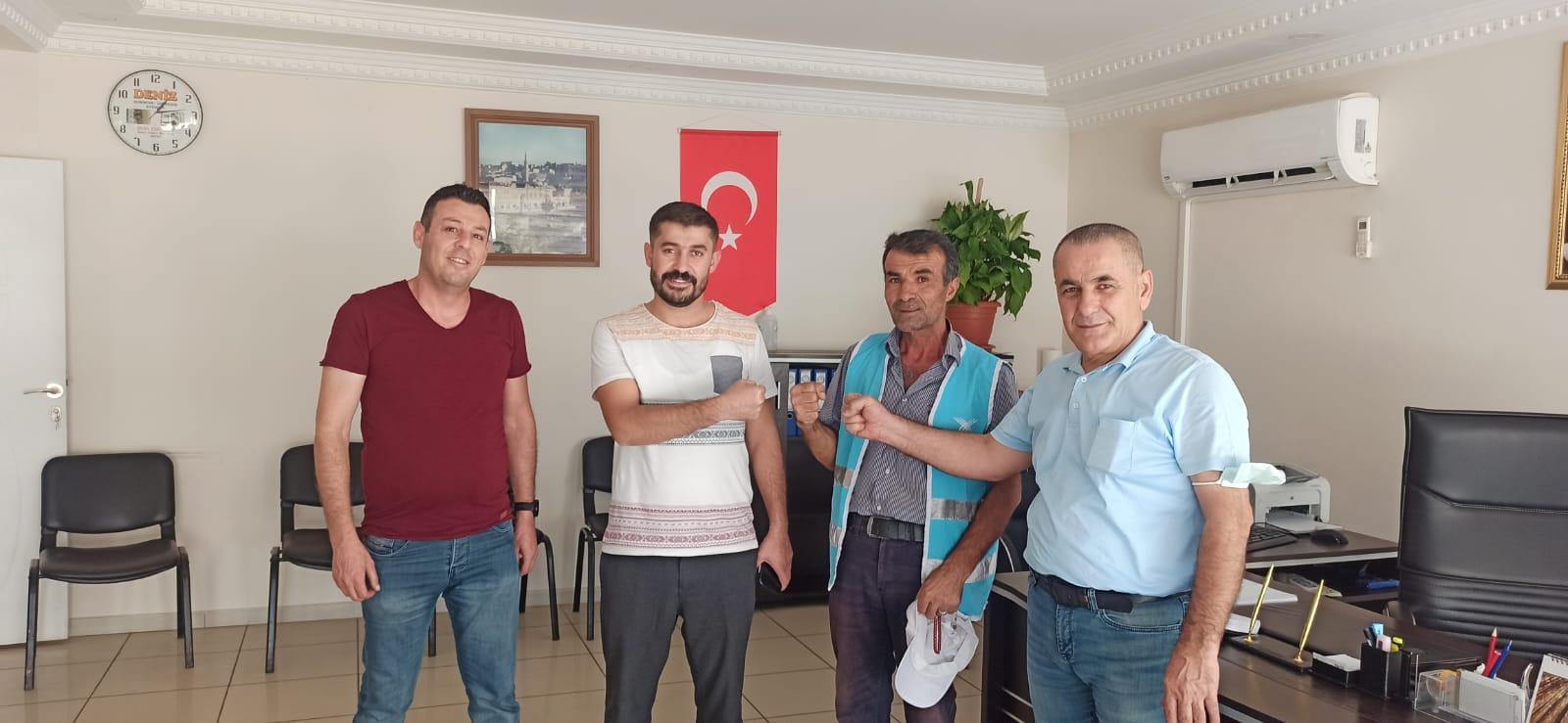 Mardin'de temizlik işçisi bulduğu parayı  sahibine teslim etti