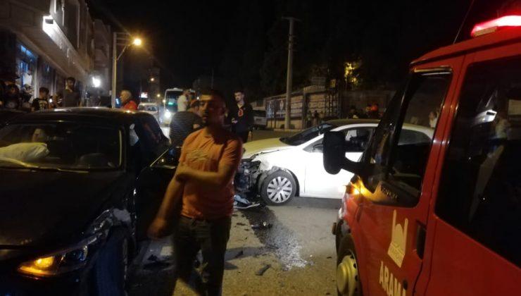 Mardin'de iki otomobil çarpıştı: 5 yaralı