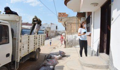 Kızıltepe'de ihtiyaç sahibi ailelere kömür yardımı yapılıyor
